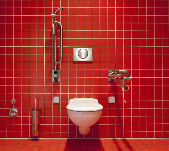 wc barrierefrei rot 5 564