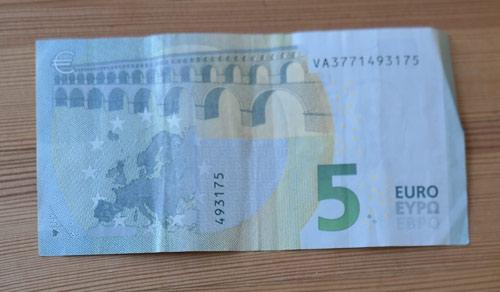 geld falten fisch 0