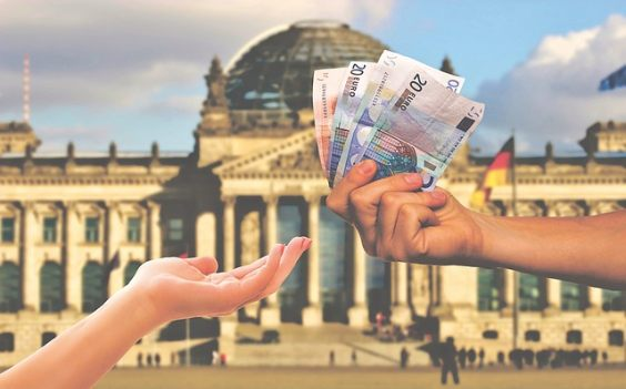 hand geld reichstag steuern