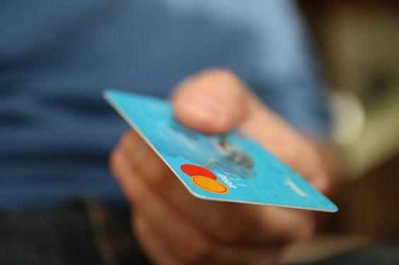 kreditkarte hand cc 564