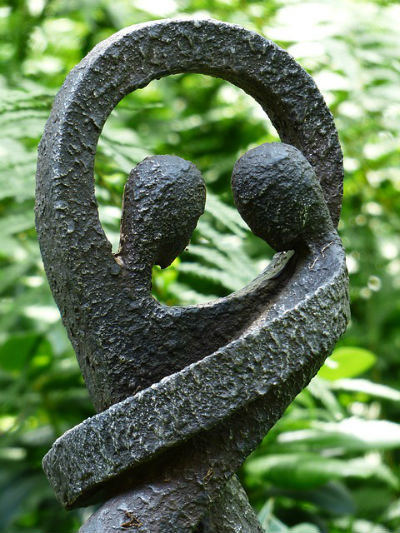 skulptur paar verbunden lo 400