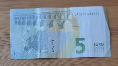 5 Euro 1
